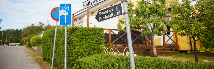 Billd på vägskylt på Hollywoodvägen