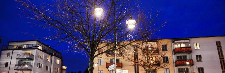 Sollentuna centrum med natthimmel
